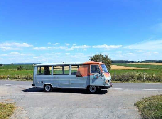 Le bus TOTO arrive en ville