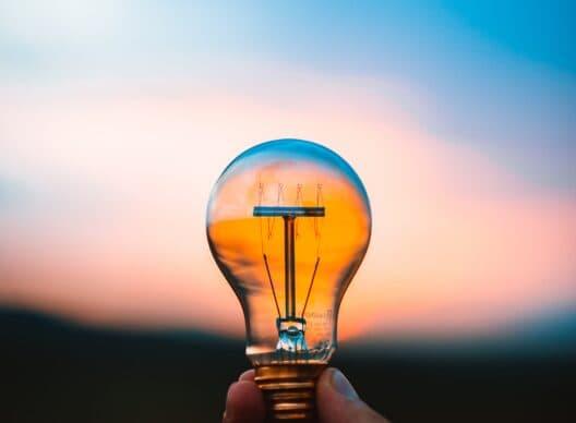 La Ville de Differdange & Enovos offrent des lampes LED gratuites